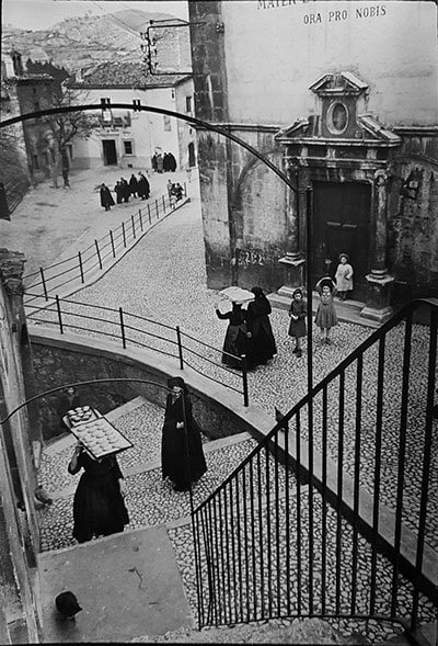 Architectural photography derivative or fine art bwvision laquila abruzzo italy 1951 henri cartier bresson fandeluxe Images