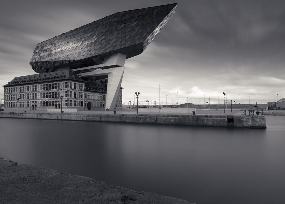 Porthouse Antwerp, 2017 – (c) Joel Tjintjelaar with Phase One IQ3 Achromatic 100MP