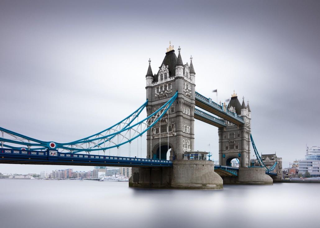 Tower Bridge, London (c) Joel Tjintjelaar
